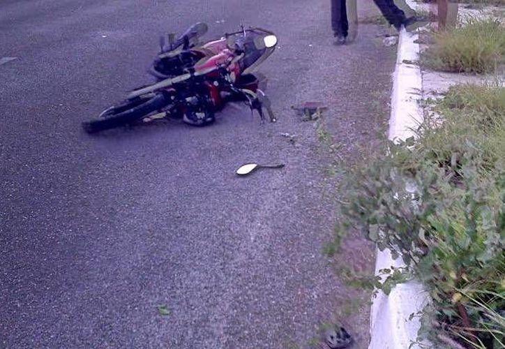 El accidente en el que un joven motociclista perdió la vida ocurrió en el kilómetro 1-400 de la vía Progreso-Chelem Puerto. (Oscar Pérez/SIPSE)