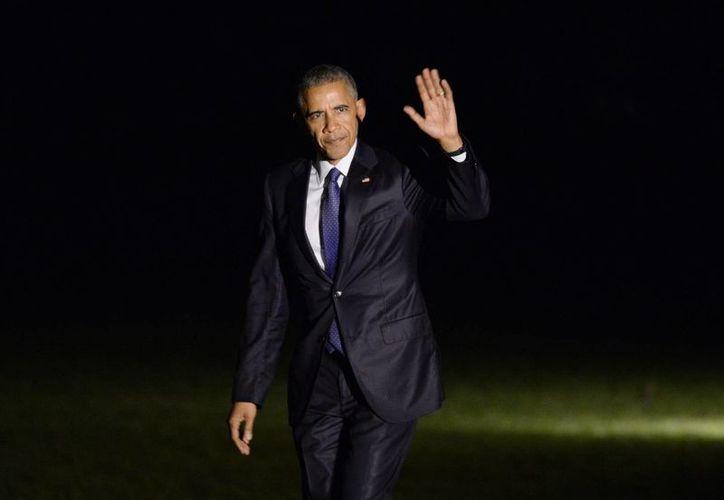 El presidente estadounidense, Barack Obama, regresó a la Casa Blanca ayer 3 de noviembre de 2016, tras un viaje a Florida para apoyar la campaña de Hillary Clinton. El Presidente conmutó las penas de 72 presos condenados por delitos menores. (EFE)