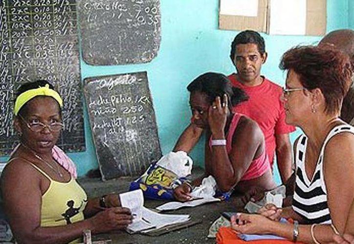Los cubanos, originarios de la provincia de Granma, nunca imaginaron que en Mérida tendrían prácticamente unas 'vacaciones con todo incluido'. (Óscar Pérez/SIPSE)