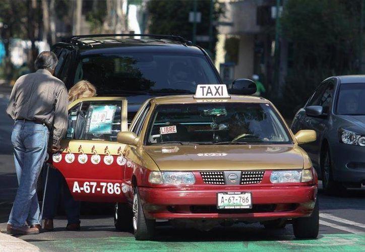 El victimario abusó de la mujer a bordo del taxi que conducía. (Imagen de contexto/Archivo/SIPSE)