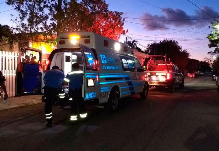 Otros trabajadores que 'bajan' de los hoteleros alertaron a los servicios de emergencia. (Redacción/SIPSE)