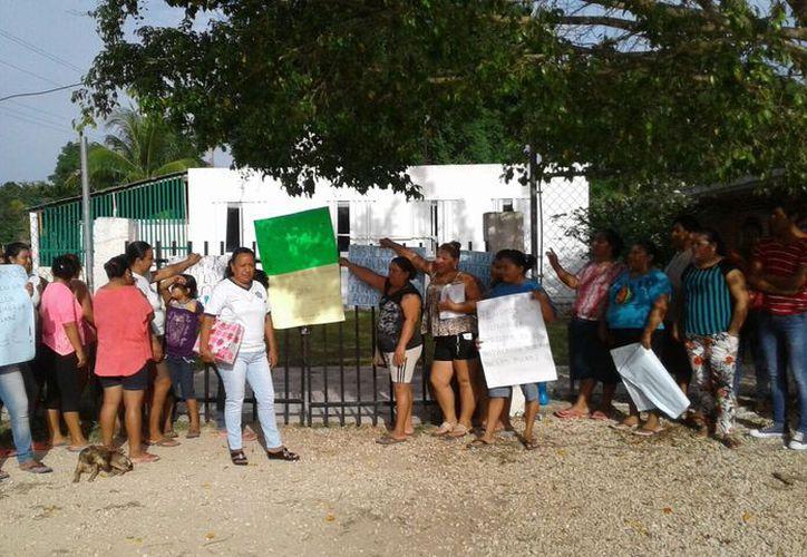 El subsecretario de Educación Básica en el estado, aseguró que alumnos tomaron clases después de llegar a un acuerdo con los padres. (Foto: Javier Ortíz/SIPSE)