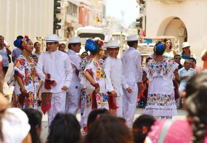Foto de un evento tradicional en el centro de Mérida, considerado para que disfruten los participantes a la asamblea anual de la Concanaco-Servytur. (Milenio Novedades)
