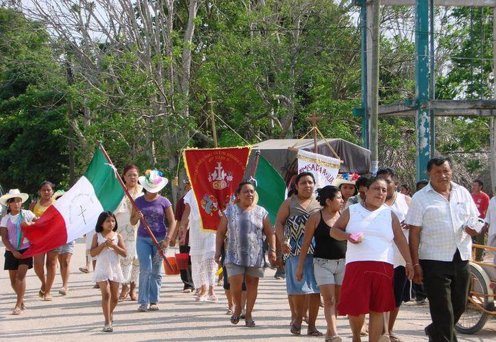 Las manifestaciones populares son parte de la cultura y la identidad de los pueblos. Los grupos indígenas del país han perdido mucho de sus valores  y eso debe preocupar, afirman. (Manuel Salazar/SIPSE)