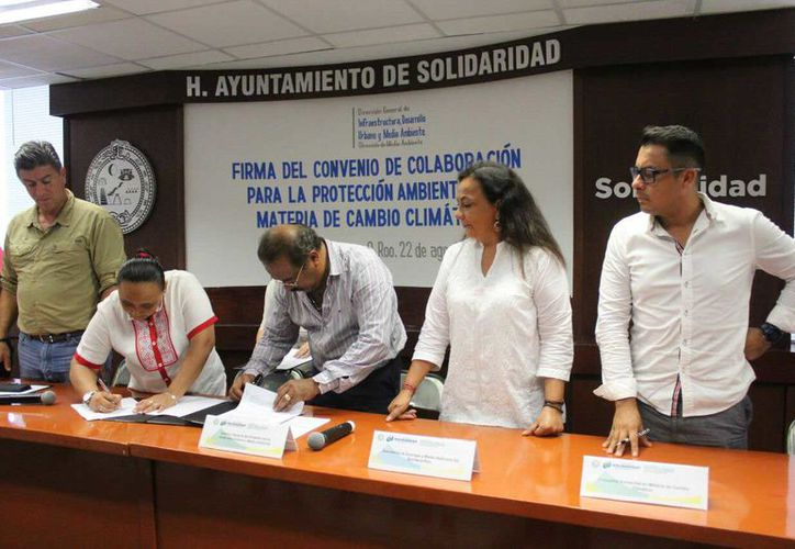 Esto se dio a conocer al finalizar la firma del Convenio de Colaboración para la Protección Ambiental en Materia del Cambio Climático. (Daniel Pacheco/SIPSE)