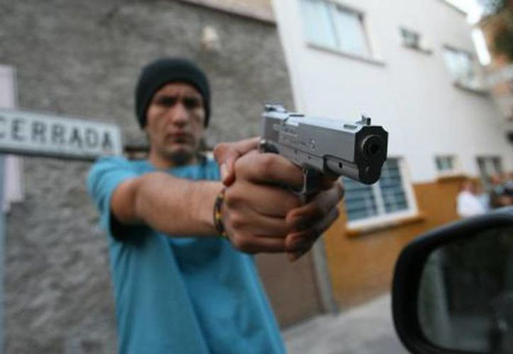 El robo o asalto en la calle y en el transporte público el principal delito que se comete en el país. (elsemanario.com)
