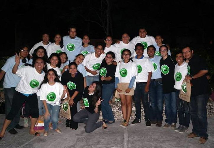 El colectivo Na'lu'um tiene más de dos años ayudando a la naturaleza. (SIPSE)