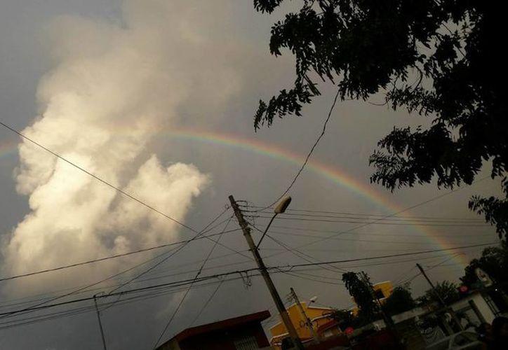 Prevén cielo nublado en Cancún; la probabilidad de lluvias es del 30%. (Laury Cetz/SIPSE)