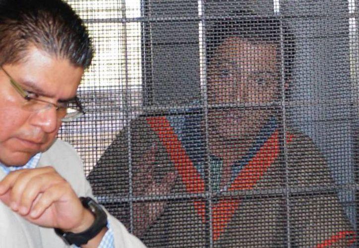Imagen del exgobernador Luis Armando Reynoso Femat cuando fue detenido por peculado el 4 de mayo de 2014, pero obtuvo su libertad después de pagar una fianza de 30 millones de pesos. (lopezdoriga.com)