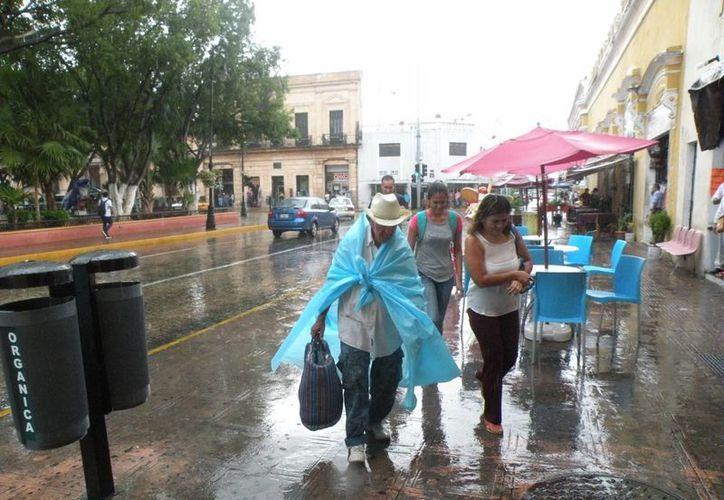 Conagua pronosticó que para este fin de semana se esperan máximas de 34 a 38 grados centígrados para Yucatán y Campeche, mientras que para Quintana Roo se estiman de 33 a 37 grados centígrados. (Miguel González/SIPSE)