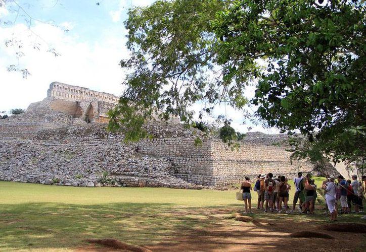 El Gobierno federal tiene varios proyectos para 'reactivar' los vestigios arqueológicos de la zona sur de Yucatán, específicamente en Uxmal y Kabah. La imagen es de conexto. (Milenio Novedades)