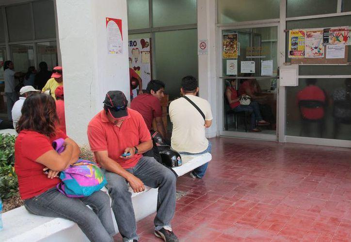 Los trabajadores municipales fueron citados para analizar su situación laboral. (Julián Miranda/SIPSE)