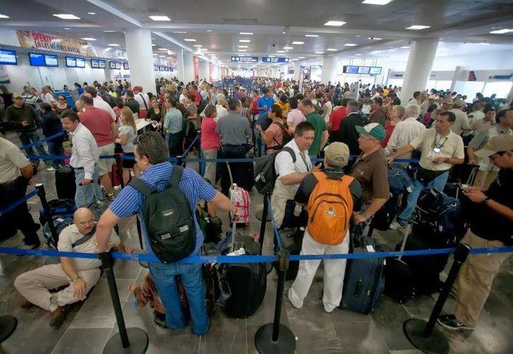 El Aeropuerto Internacional de Cancún ha registrado un repunte en el arribo de visitantes. (Redacción/SIPSE)