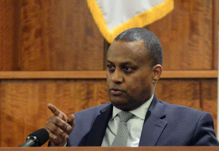 Samson Michael, gerente de un hotel en Boston, testificó que vio que el exjugador de futbol americano Aaron Hernández, al parecer portaba un arma, dos días antes del crimen cometido contra Odin Lloyd. (Foto: AP)