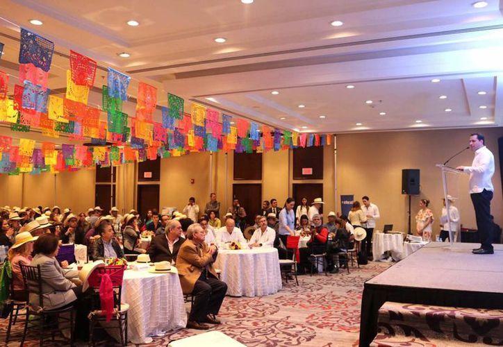 El alcalde Mauricio Vila encabezó en la capital regiomontana la segunda jornada del Trade Show Mérida 2017.  (Fotos cortesía del Ayuntamiento)