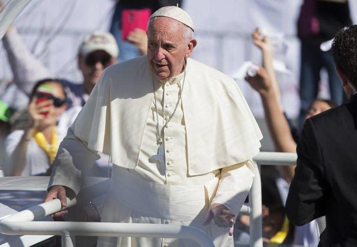 El Papa Francisco finaliza su visita a México en Ciudad Juárez, entidad donde se reunió con presos del  Cereso número 3. (Agencias)