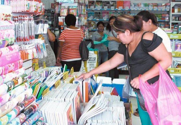 Se acerca el regreso a clases y con él la compra de útiles escolares. Este 19 de agosto se inaugura la Feria del Regreso a Clases. (Archivo/SIPSE)