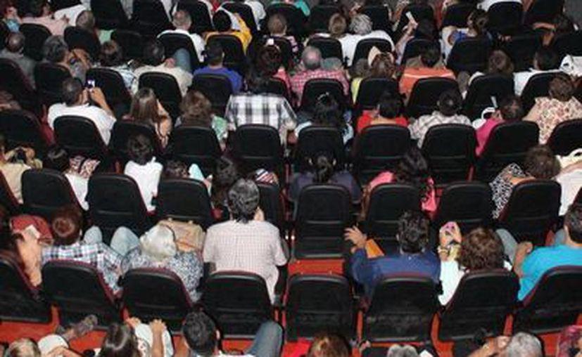 El públicó disfrutó del concierto. (Milenio Novedades)