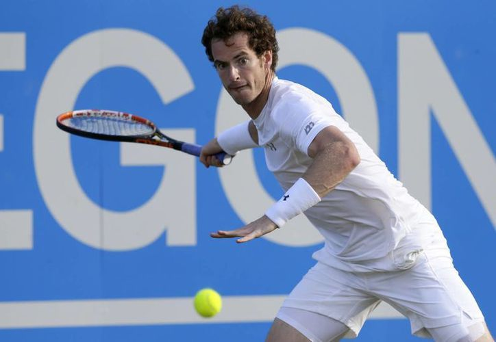 Andy Murray eliminó a Gilles Muller en Queen's y ahora es uno de los cuatro mejores tenistas del torneo. (Foto: AP)