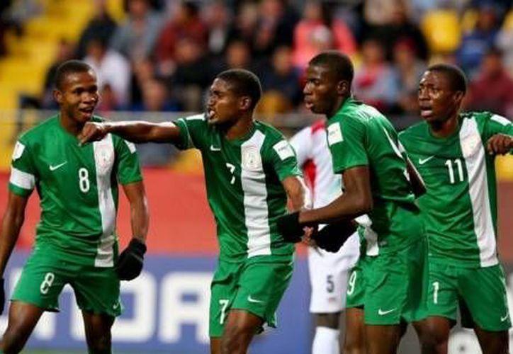 Con goles de Víctor Osimhen al minuto 56 y Funsho Bamgboye al 59', Nigeria consiguó su segundo campeonato mundial sub 17 consecutivo, este domingo en el estadio Sausalito, en Chile. (Archivo Notimex)