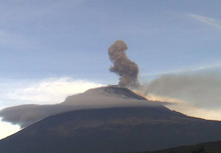 El semáforo de alerta volcánica permanece en color amarillo fase 2. (webcamsdemexico.com)