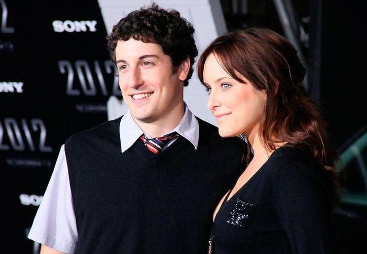 Los actores Jason Biggs y Jenny Mollen se confesaron en un programa de televisión, en el que relataron detalles íntimos de su matrimonio. (Archivo/fansshare.com)
