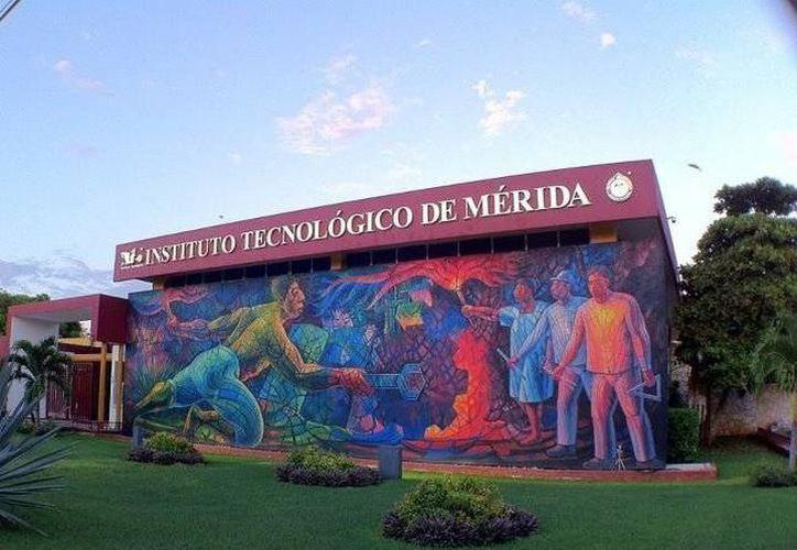 Bomberos acudieron al Tecnológico de Mérida, campus Norte, por un incendio dentro de un aula. La imagen es únicamente ilustrativa. (SIPSE/archivo)