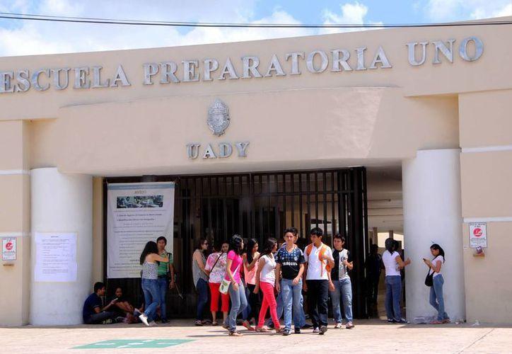 Más de 11 mil alumnos presentaron el examen de ingreso a la Uady. (Milenio Novedades)