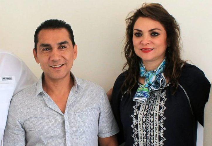En junio de 2013, la PGR comenzó a investigar al matrimonio Abarca-Pineda por sus supestos nexos con los Beltrán Leyva. (noticiasggl.com)