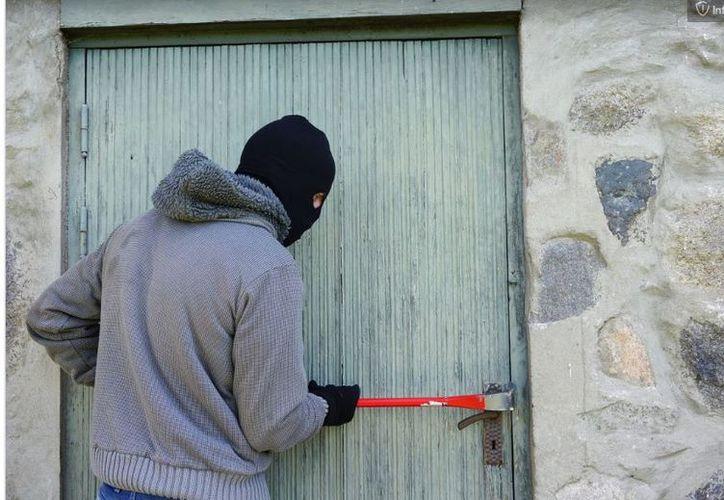 Los maleantes intentaron ingresar al domicilio del menor cuando este se encontraba solo. (Pxhere/ Imagen ilustrativa)