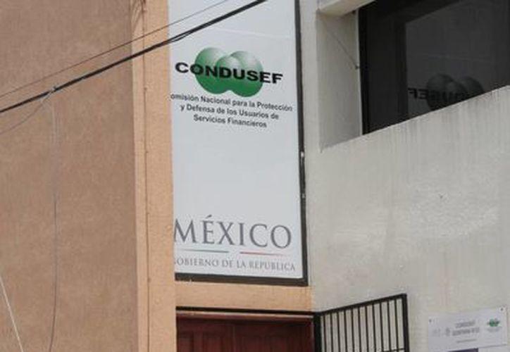 A finales del 2014 esperan que con las nuevas facultades de la Condusef comience las sanciones para aquellos que no respeten horarios para realizar las llamadas. (Tomás Álvarez/SIPSE)