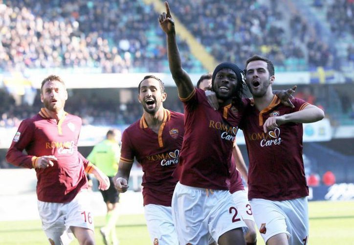 Los goles de la Roma fueron de Adem Ljajic, Gervinho y Francesco Totti . (EFE)