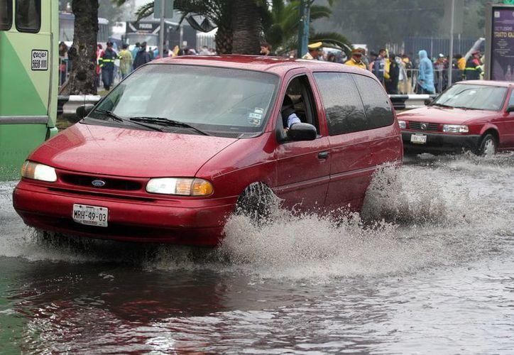 La suspensión de clases debido a lluvias afectará las regiones oaxaqueñas de la Costa y la Mixteca. (Foto de contexto de Notimex)