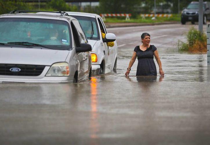 Aspecto de Brownsville, Texas, estado donde hasta ahora 28 personas han muerto por inundaciones derivadas de tormentas con índices históricos. (Foto: AP)
