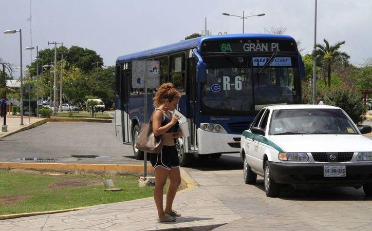 En Benito Juárez son más de 900 unidades de transporte público autorizadas para dar el servicio. (Tomás Álvarez/SIPSE)