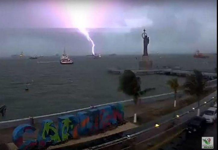 Los vientos alcanzaron 70 kilómetros por hora en la entidad. (twitter.com/webcamsdemexico)