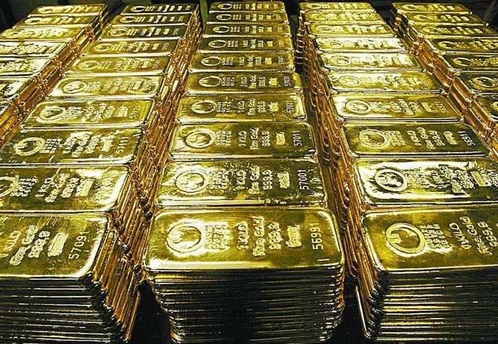 Despierta incertidumbre entre inversionistas el desplome del precio de oro. (Milenio)