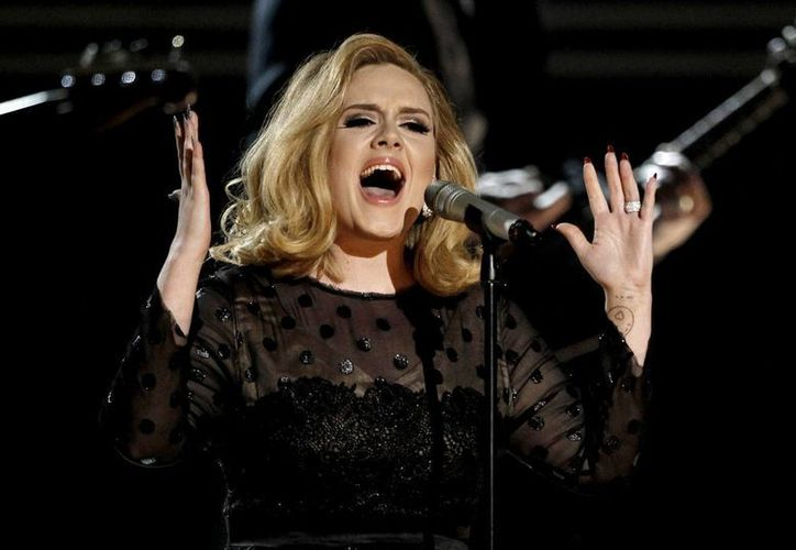 Adele anunció que emprenderá acciones legales por el caso del video. (Agencias)