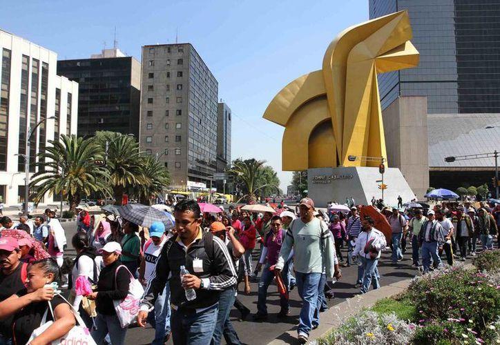 Los maestros causaron caos vehicular en su marcha hacia el edificio de la Segob en la Ciudad de México. (Notimex)