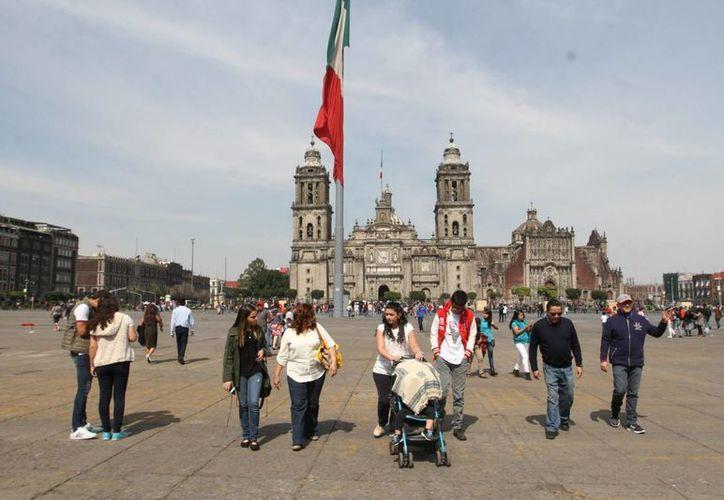 En México hay 20 millones de trabajadores formales y 29 millones de informales. (Archivo/Notimex)