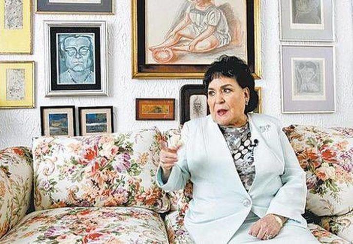 Carmen Salinas rechaza que la comparen con su personaje <i>La Corcholata</i>, ahora que se desempeña como diputada en el Congreso de la Unión. (Milenio Digital)