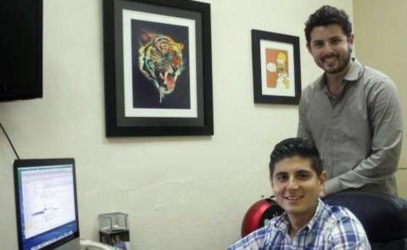 Alejandro Manero Ruz y David Escalante Lombard crearon la app. Travel Guide Yuc. (Milenio Novedades)