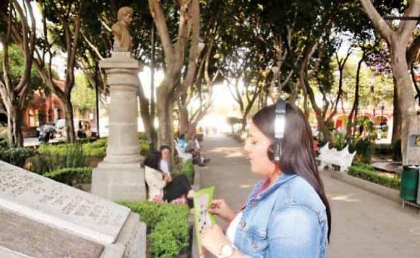 Las Audio Guías están certificadas por la Secretaría de Turismo capitalina y tienen un costo de 60 pesos por persona. (Excelsior)