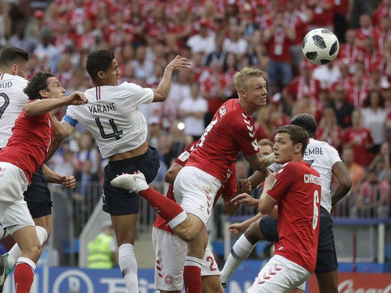 Si el partido Francia vs Dinamarca terminó sin goles, mucho se debe a la labor de Schmeichel con los daneses (Foto: AP)