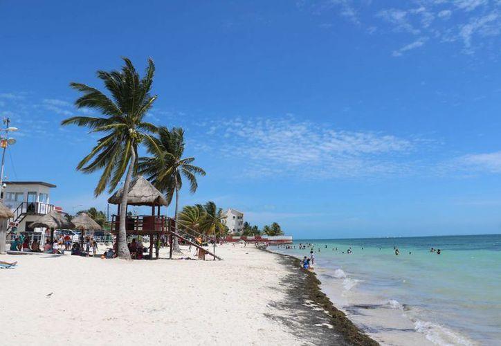 Se espera que en los últimos días de las vacaciones, los restaurantes de playa Del Niño mantengan la ocupación en 80%.  (Miguel Ángel Ortiz/SIPSE)