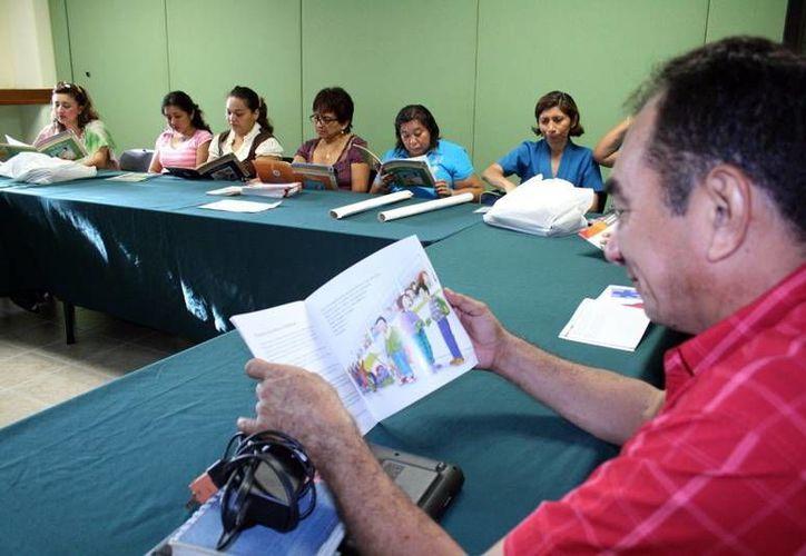 """La """"Escuela de Padres"""" también se enfoca en mejorar las relaciones entre los miembros de la familia. (SIPSE)"""