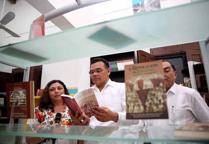 El gobernador Rolando Zapata  presidirá en la Canaco-Servytur a la entrega de plazas a maestros de  Primaria. (SIPSE)