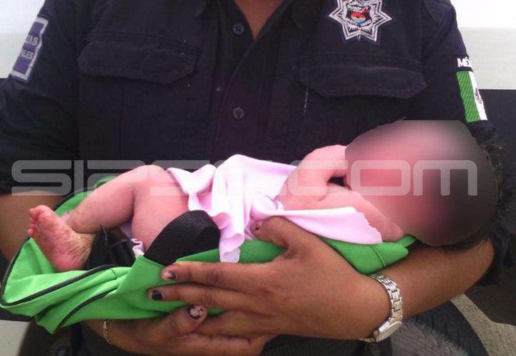 La recién nacida fue abandonada en una mochila verde en Cancún. (Redacción/SIPSE)