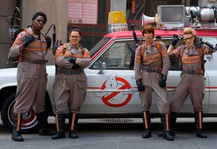 Imagen de las protagonistas de la nueva versión de la película 'Ghostbusters'. (Archivo)