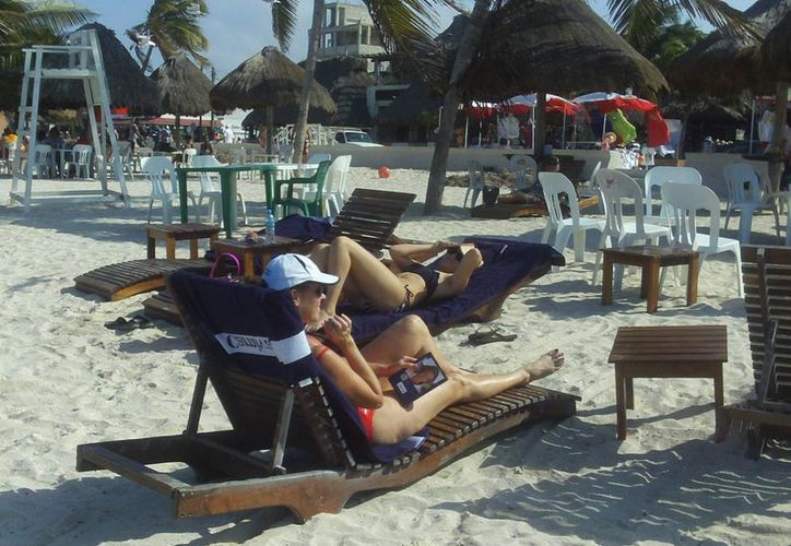 La jornada del lunes de crucero en el malecón de Progreso. (Manuel Pool/SIPSE)